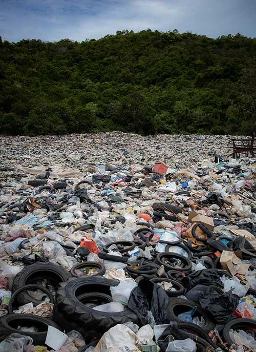 Los Angeles junk removal landfill image
