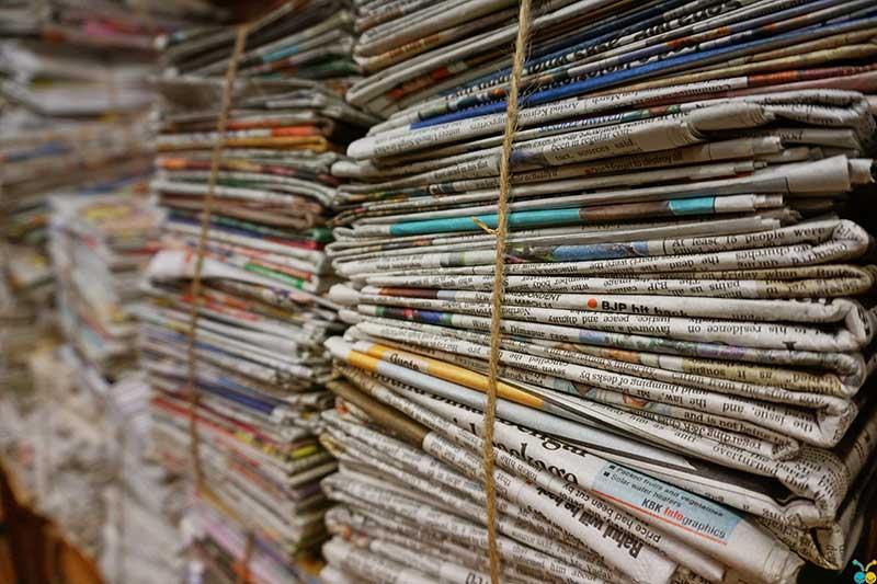 Junk hualing Burbank bulk newspapers