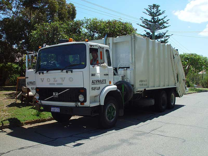 Garbage collection service Sun Valley, CA