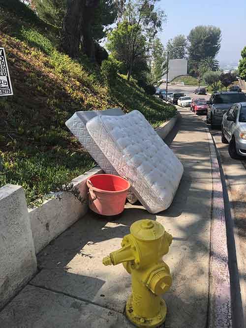 Mattress removal and disposal company Burbank, CA